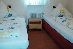 Schlafzimmer mit zwei Einzelbetten Fewo Panorama